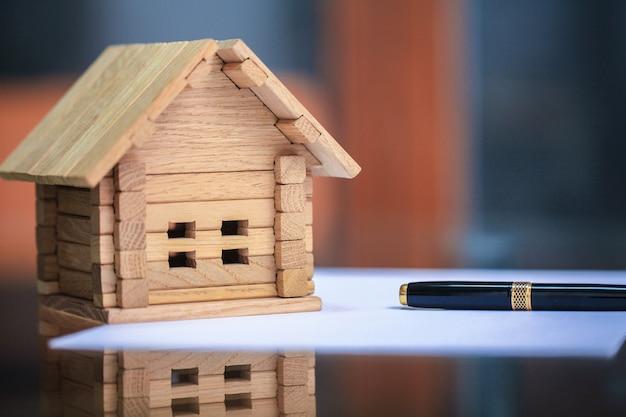 構築ツールで家の青写真のクローズアップ