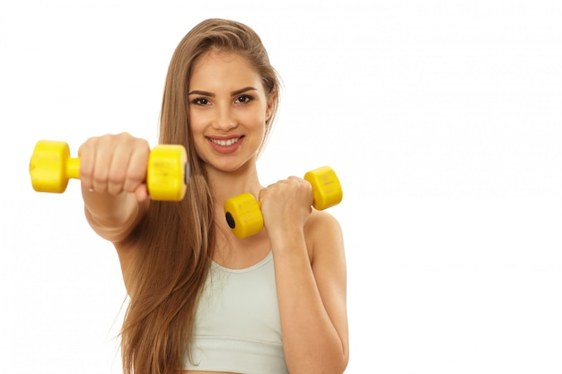 健康的な美しいフィットネス女性のトレーニングの準備ができて
