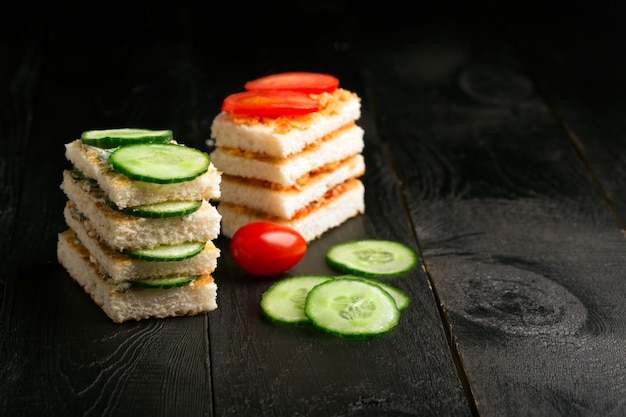 バターと野菜のサンドイッチ