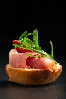 鴨胸肉のサンドイッチ