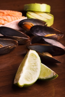 Лайм и морепродукты