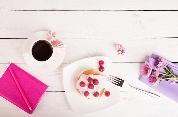 Вкусные блины с розовым соусом