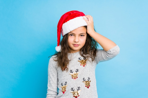 ショックを受けているクリスマスの日を祝う少女は、重要な会議を思い出しました。
