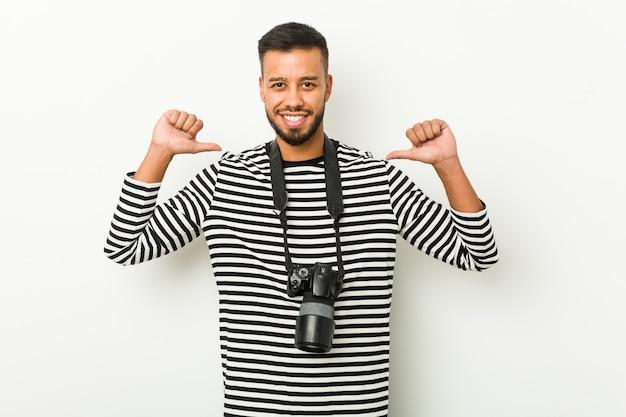 南アジアの若い写真家は、誇りと自信を持っていると感じています。