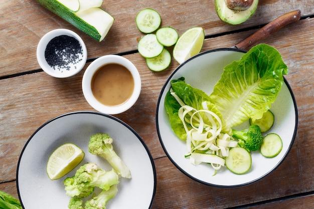 健康的なダイエット食品トップビューを料理の食材