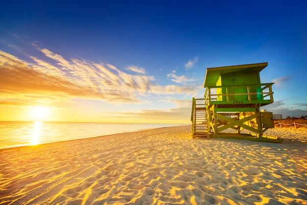 Восход солнца южного пляжа майами