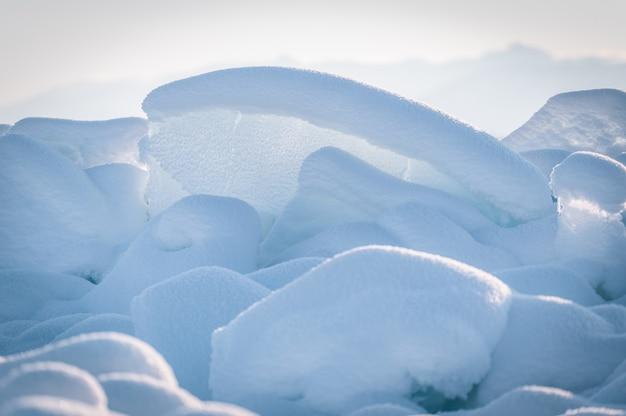 Озеро байкал зимой в сибири