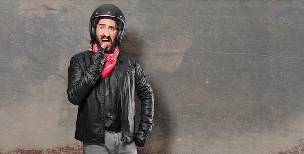 バイクライダーの怒りや反対意見
