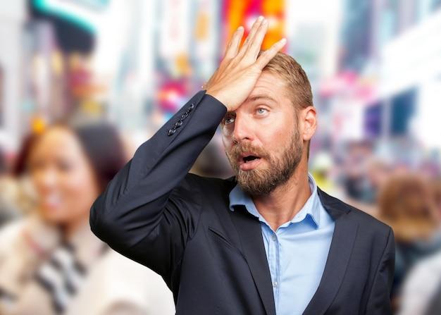 Блондинка бизнесмен печальное выражение,