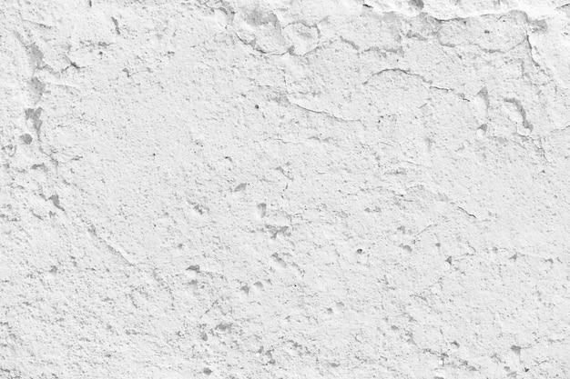 白い壁に亀裂