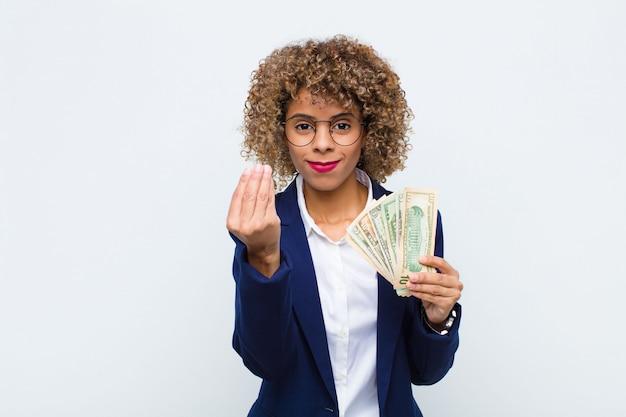 Делая жест капитана или денег, говоря вам, чтобы оплатить свои долги!
