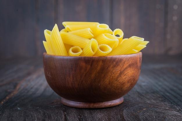 Сырые макаронные изделия