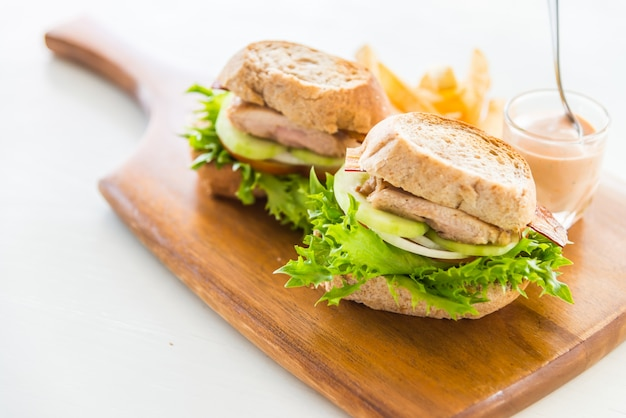Куриный сендвич