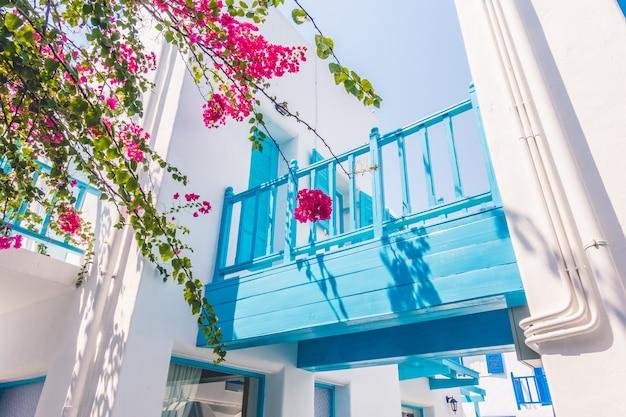 ウィンドウのギリシャミコノス地中海の夏