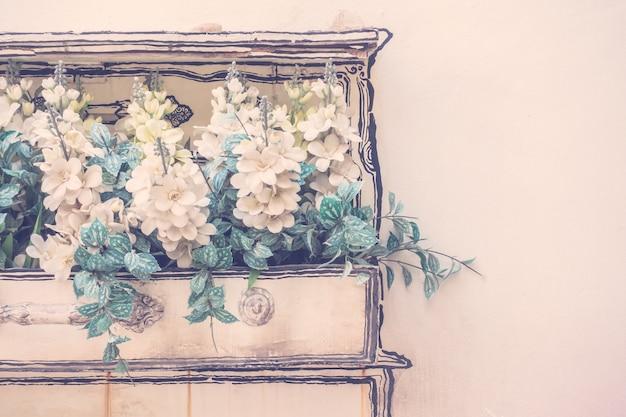 美しい装飾花の机レトロ