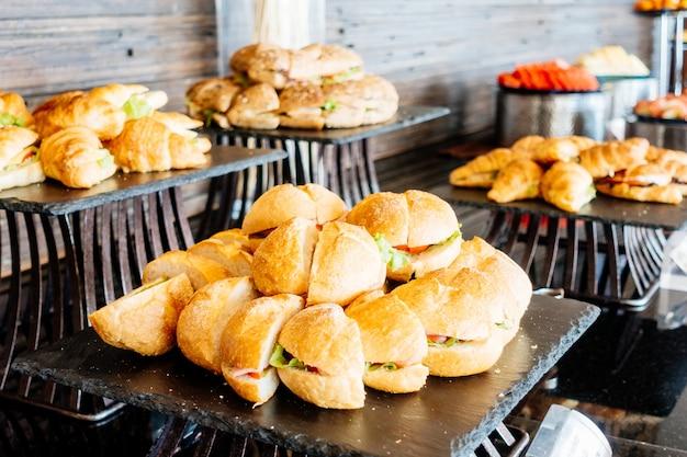 Событие еды ресторанное обслуживание плиты