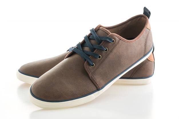 Обувь из коричневой кожи