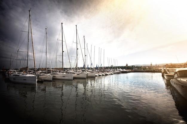 港のヨット