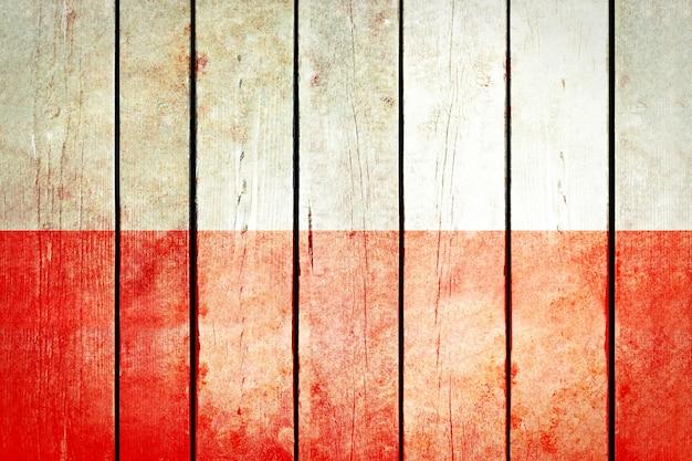 ポーランド木製の旗。