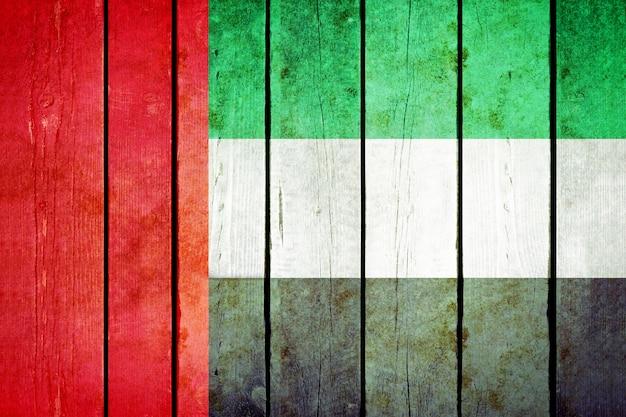 Объединенные арабские эмираты деревянные гранж флаг.
