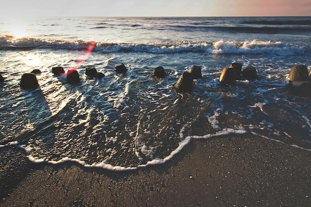 海の上の夕日。