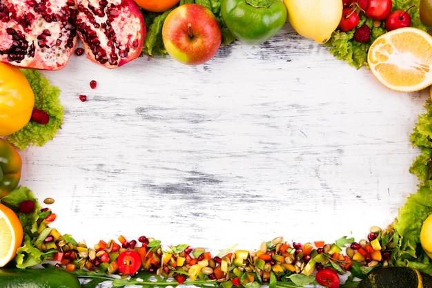 果物と野菜のフレーム、ビーガン、透明な食品、