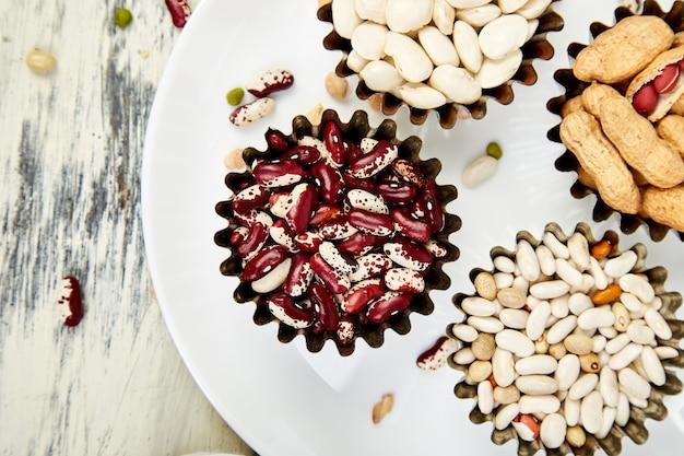 豆とマメ科植物のコレクションセット。