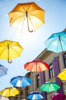 Красочный фон зонтики,