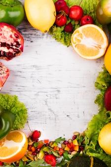 果物と野菜のフレーム。