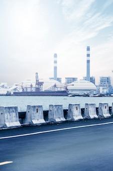 青空のガスタービン発電所