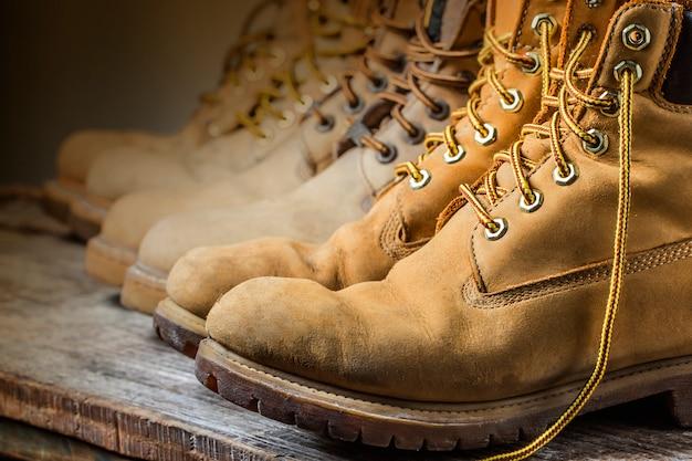 Обувь зимняя в строке