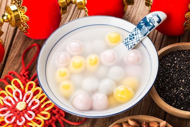 Фестиваль китайских фонариков - цветные пельмени