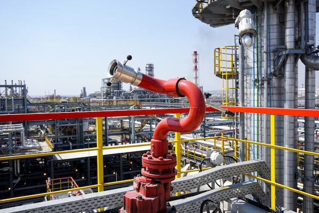 製油所での圧力火災用のファイアプラグ