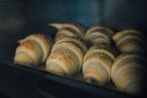 Домашние круассаны выпекаются в духовке