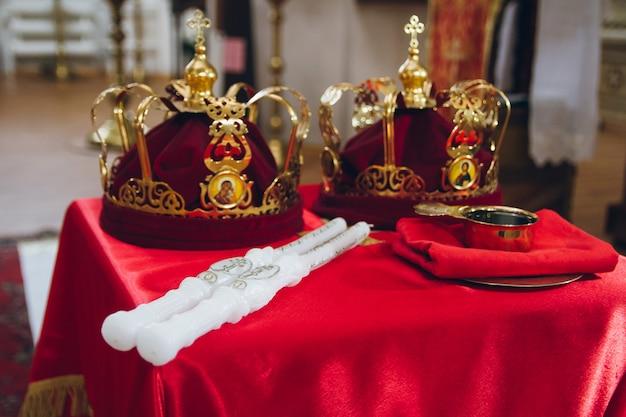 正教会の指輪と冠