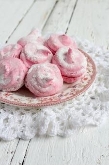 Самодельные розовые зефиры смородина зефир