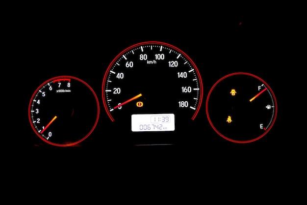 車の中でスピードメーター