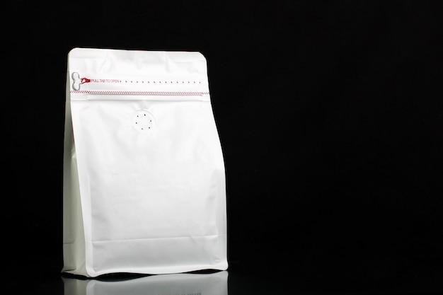 コーヒー豆とパウダーの包装袋