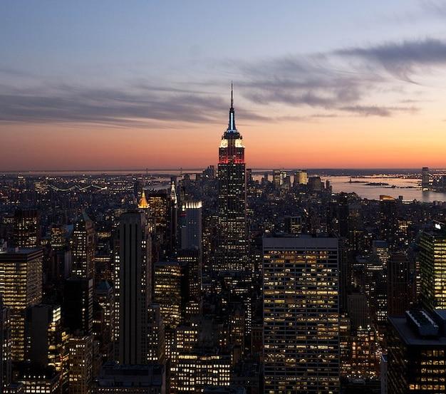 街の夜の雲建物新しい空ヨーク夜