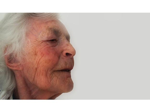 アルツハイマー退職痴呆古いホーム年齢の女性