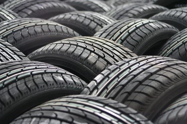 Группа шины колеса автомобиля