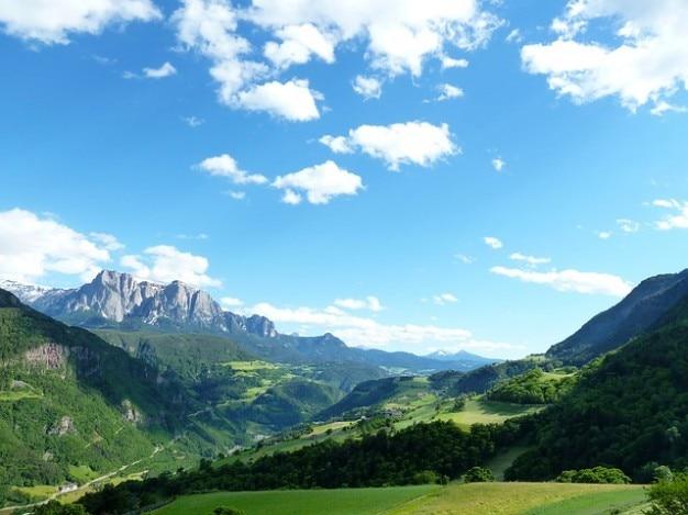 美しいドロミテ高山ヨーロッパイタリアの休日