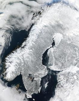 Норвегия спутниковой зимой льдом скандинавии