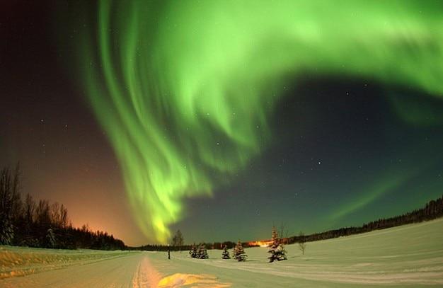 Северное сияние на аляске небе полярного сияния пустыне