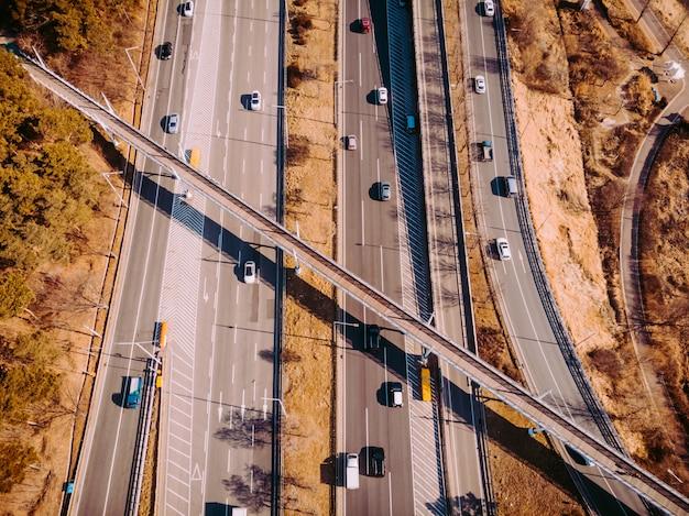 Вид сверху на шоссе в сеуле