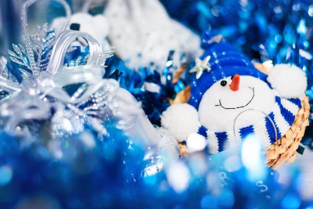 青い色のクリスマスカード