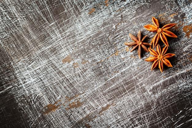 Пищевой фон со звездчатым анисом