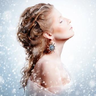 グラマークリスマス化粧品で美しい少女