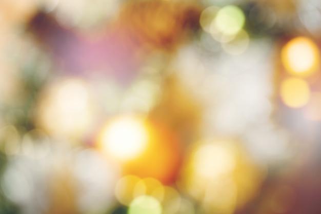 ぼやけたクリスマスライトと背景