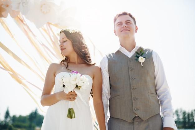 結婚式の日の感情的な瞬間